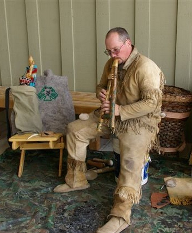 This was during a break in a flint knaping demonstration at the Oregon Trail Interpretive Center near Baker City Oregon in 2013.